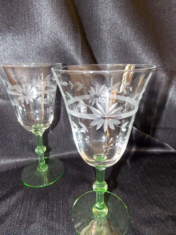 Criss Cross Glasses Bar