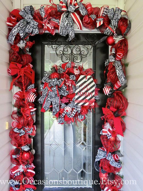Christmas Wreath With Door Garland Red And Black Christmas Etsy Outdoor Christmas Decorations Valentines Outdoor Decorations Christmas Decorations