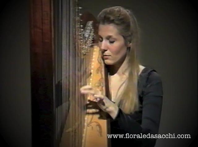 Nino Rota: Sarabanda e Toccata per arpa. Floraleda Sacchi (Harp)  www.floraledasacchi.com