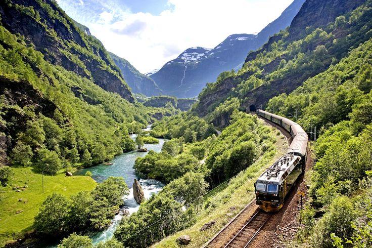 In Norwegen auf vielen Strecken ein Traum: Reisen mit der Bahn! Foto: MORTEN RAKKE Die Flåmbahn