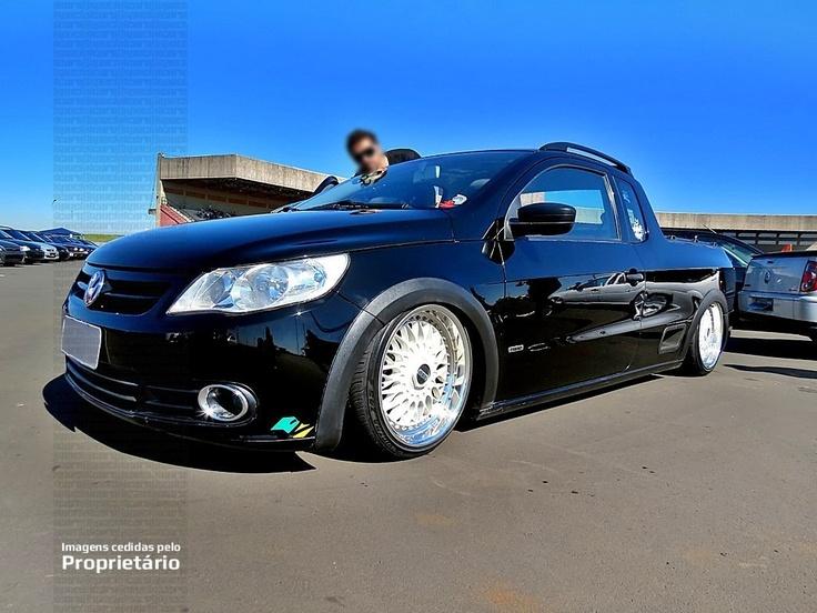 """Austrailian...Nova Saveiro G5 preta rebaixada, rodas BBS brancas aro 17"""", suspensão a ar"""