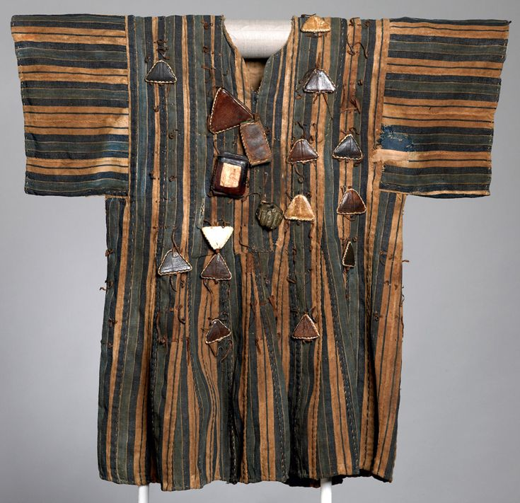Africa | Hunter's / Warrior's tunic, Mali.  1880 - 99 | ©Whitworth Art Gallery, The University of Manchester
