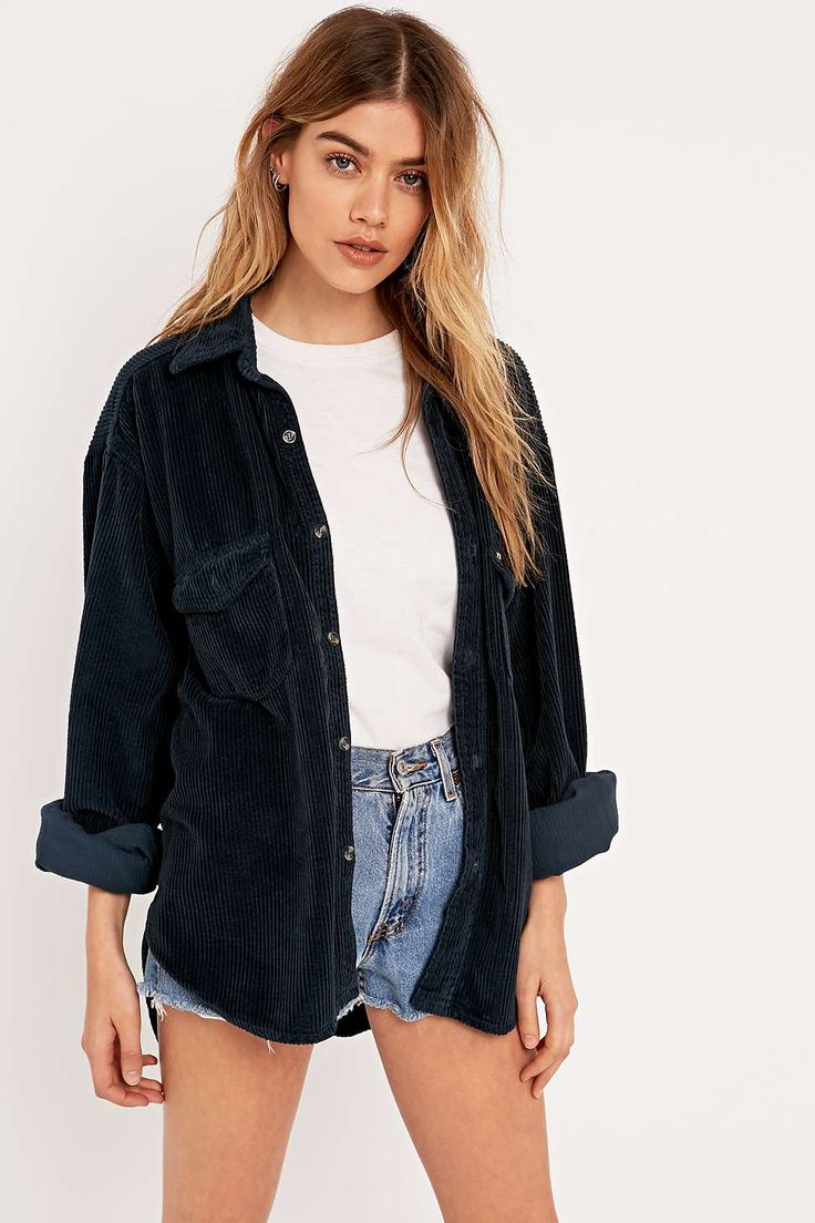 Urban Renewal Vintage Customised Pinwell Cord Shirt in Navy - Urban Outfitters