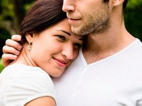 """""""Jeden udany związek, często kosztuje sto nieudanych"""" - mówi w rozmowie z EksMagazynem psycholog Piotr Mosak. Zgadzacie się z tym stwierdzeniem? Polecamy wywiad na temat pierwszej miłości. http://www.eksmagazyn.pl/wazny-temat/seksowny-temat/okiem-specjalisty/pierwsza-milosc-jest-przereklamowana/"""