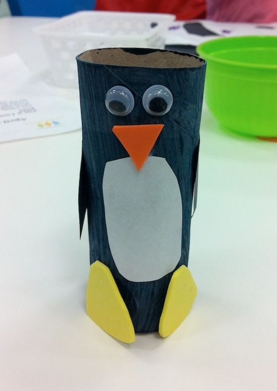 TP roll penguin. One of many great toilet paper roll crafts. FUN. #penguin #kidscrafts