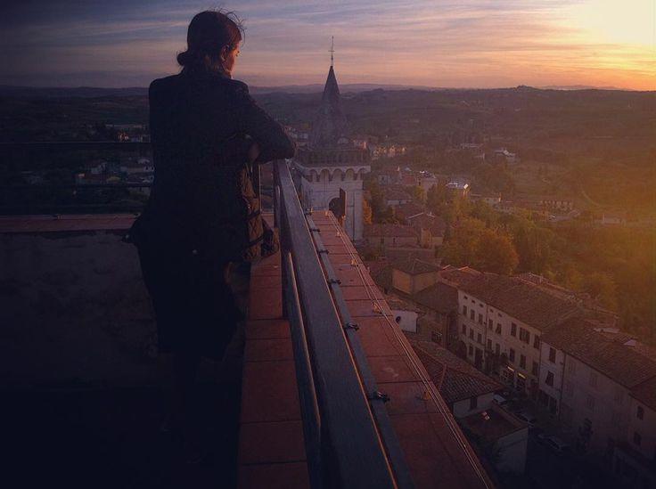 #landscape #vinci #museo #leonardodavinci #sunset #tramonto #view #igerstoscana #instadaily #instatravel #turista #toscana #tour #tourism #visit #viaggi #travel #italia #italy #panorama  #aidaholidayhome_place