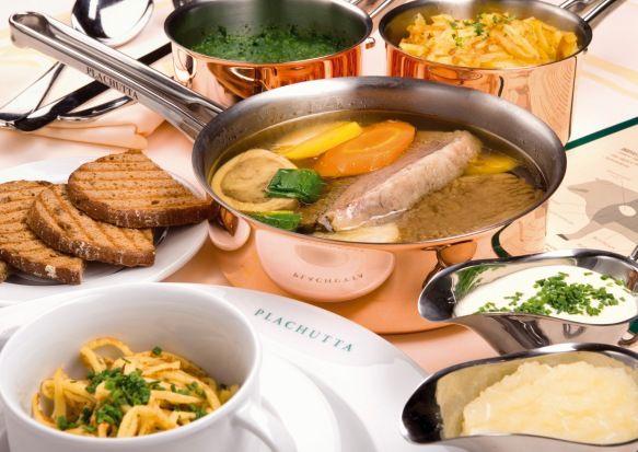 Plachuttas Tafelspitz im Kupfertopf mit Rösti, Spinat, Schnittlauchsauce und Apfelkren