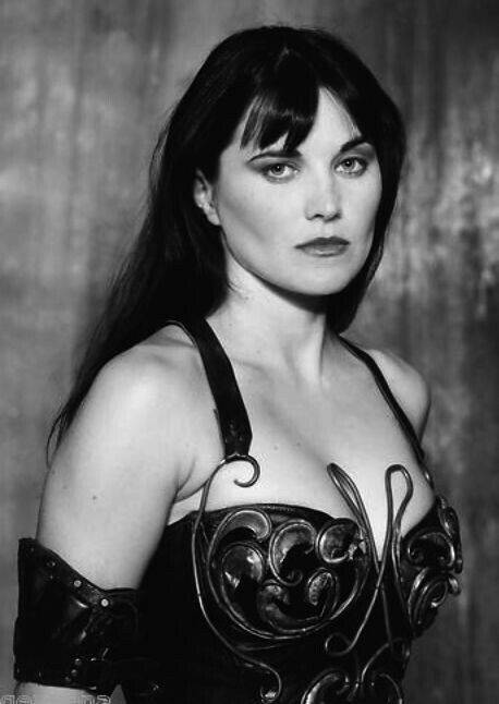 Sexy pics of lucy lawless