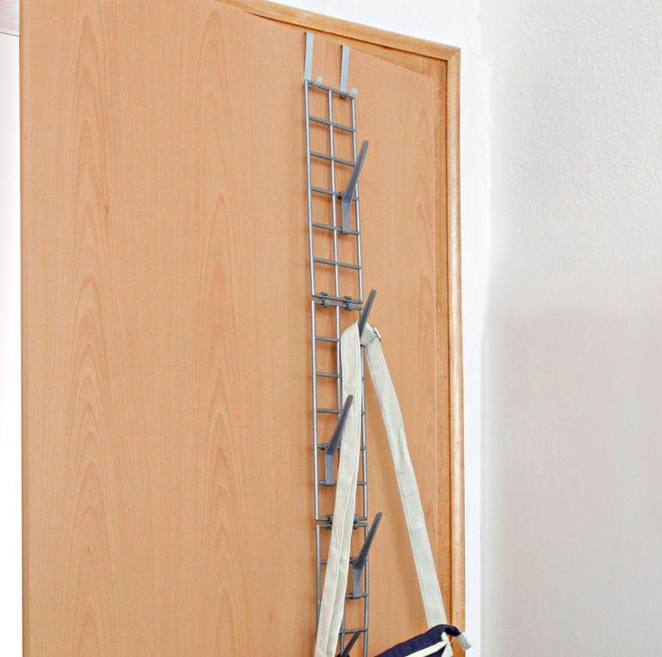 Fini les sacs qui prennent toute la place dans l'armoire grâce à ce support à grilles à fixer horizontalement ou verticalement. Suspendez-le simplement à la porte de votre chambre ou de votre armoire! En plastique. 130 x 10 x 3 cm.