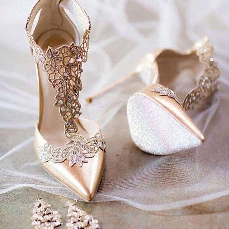 Lace & Gold ...  Tag a Bride to Be that would love these   #weddingshoes #bridalshoes  #stiletto #heels #gold #lace #classic #champagne #fashion  #fashionista  #shoes #heels #pumps #sparkle  #crystals #shoeaddict  #shoeslover #shoegasm #designershoes  #shoeobsession #highheels  #embellishment #intricate #details #cinderella