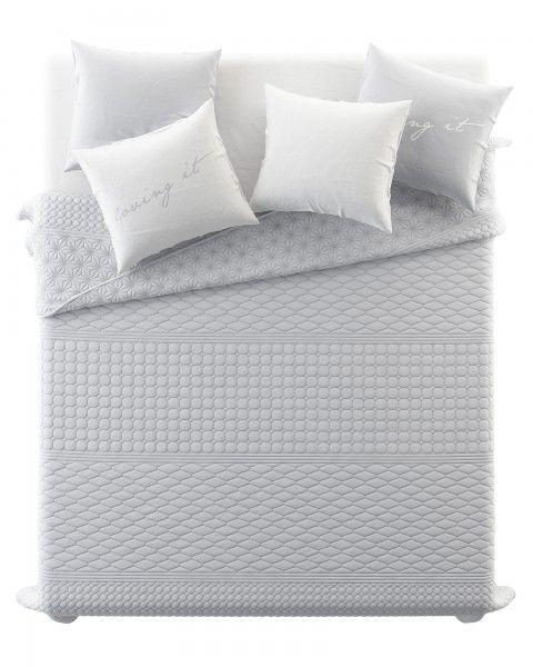 Obojstranny jednofarebny prehoz na postel v svetlo sivej farbe (2)