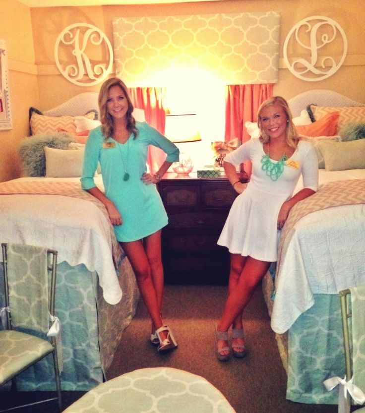 dorm room pic with roommate would be cute for move in day college
