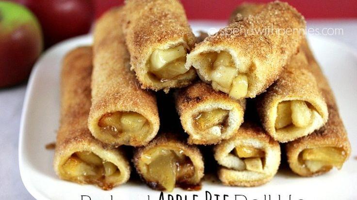 Mennyei finomság! A kenyérszeleteknek levágjuk a héját, majd laposra hengereljük. Ha van kész...
