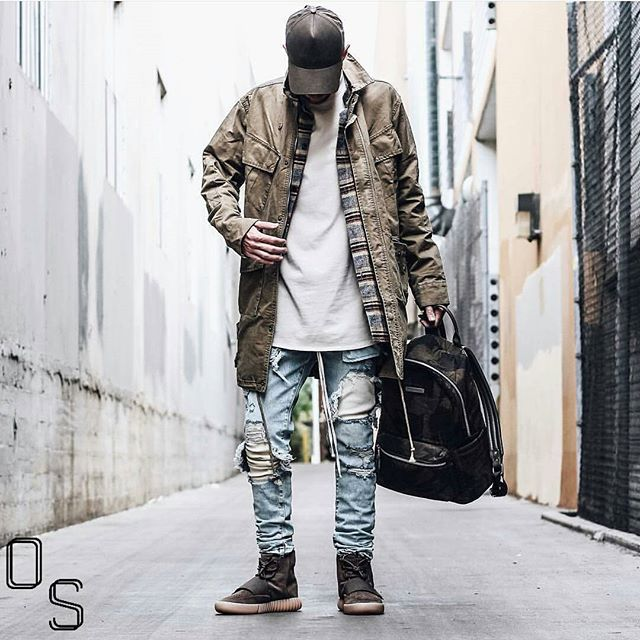 25+ Best Ideas About Yeezy 750 Boost On Pinterest | Yeezy 750 Kanye West Yeezy Shoes And 750 Boost