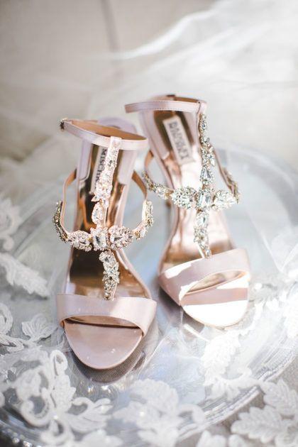 Rachel Lamb And Joshua Brown S Romantic Fall Dfw Wedding By Grit Gold Joshua Brown Rachel Lamb Wedding Heels