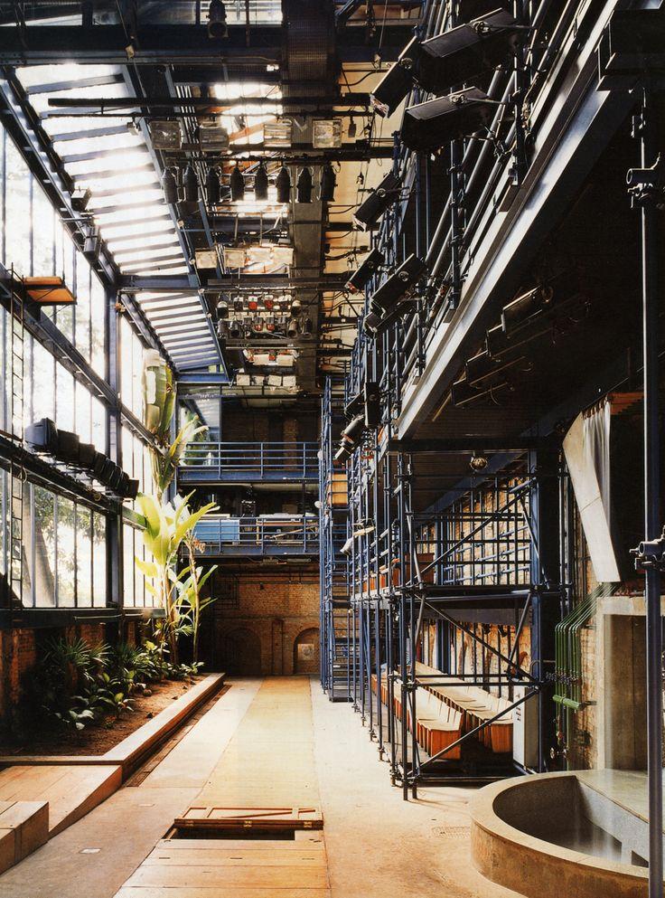 """""""Teatro Oficina - SP, Arquiteta Lina Bo Bardi, eleito o melhor do mundo pelo The Guardian."""