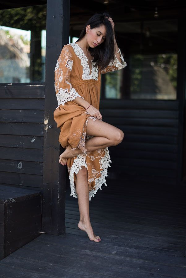 Boho Chic dream. Nolita bohemian maxi dress with crochet details. Blogger Adriana Lindo. Photographer Ángel Robles Robles.