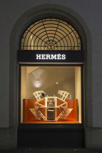Hongchao Wang, graduado de ECAL, diseña  animales geométricos para los escaparates de Hermés.