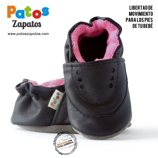 Zapatitos para bebe recién nacido. Ideales para gateo y primeros pasos. Favorecen el desarrollo del equilibrio por que dan suficiente libertad al pie.  Encuéntralos en nuestra tienda online www.patoszapatos.com