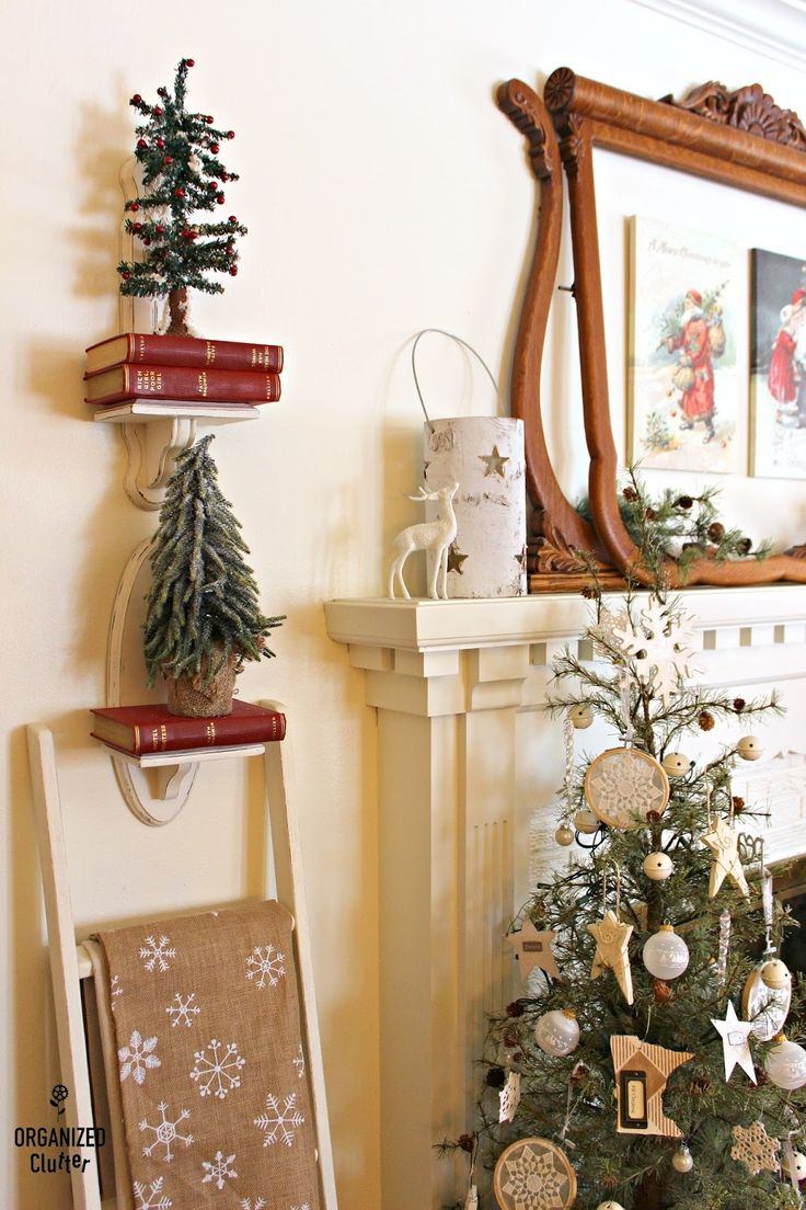 Christmas Mantel 2017 #dressersalvage #raisincrate #candlesconce #drawerrepurpose #upcycle #repurpose