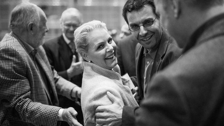 AfD: Doris von Sayn-Wittgenstein, Landessprecherin der AfD Schleswig-Holstein, nach ihrer Beinahe-Wahl im Kreis von Parteikollegen in Hannover