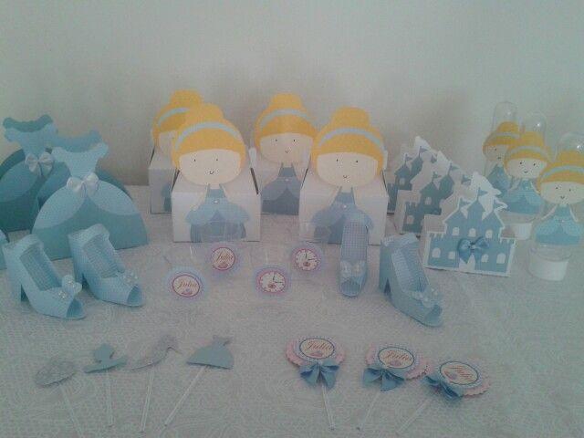 Festa Cinderela em Scrapbook. http://www.giracraft.wordpress.com