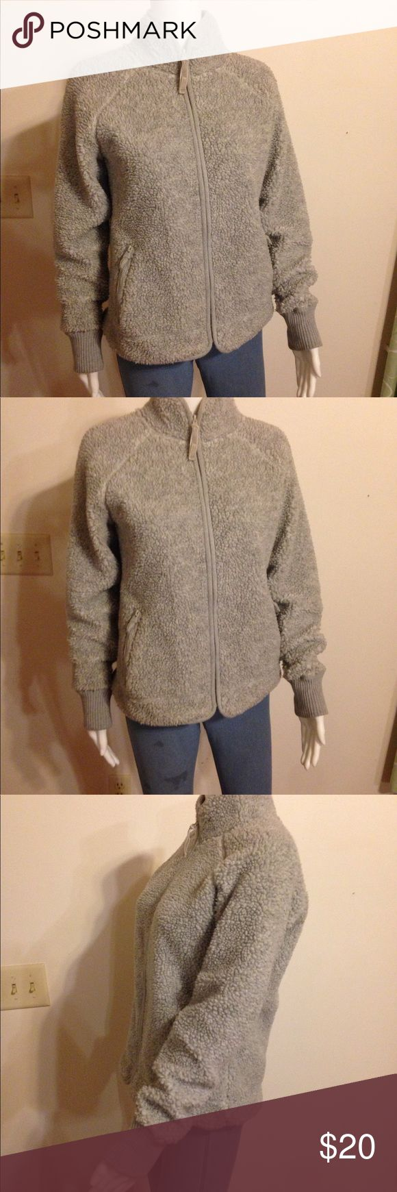 Old Navy Thick Fleece Full zip jacket Medium Old Navy thick fleece gray full zip jacket. Stain free. Like new. Jersey inside. Great for winter! Holidays, gift idea, keeping warm and cozy Old Navy Sweaters