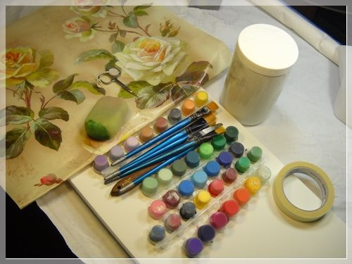 Materiali per la pittura ed il découpage  http://www.lcdm.it/wp-content/uploads/2013/03/tele-di-maggio-clara-tramontano-decoupage-2.jpg