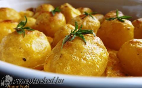 Tejszínben sült újkrumpli recept fotóval