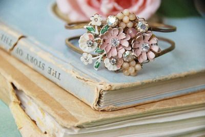 Ring. : Color, Pastel Pink, Vintage Rings, Flowers Bracelets, Jewelry, Cuffs, Antiques Rings, Old Books, Flowers Rings