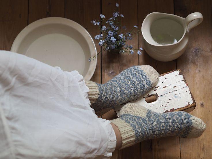 Socktober är här – en månad som bör fyllas av sockstickning i alla dess former! För dig som söker inspiration till sockstickandet har vi här plockat ihop de flesta av …