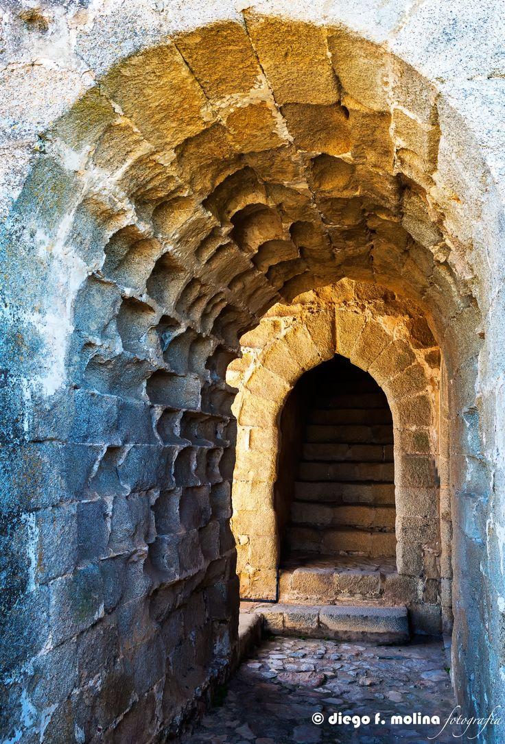 Puerta de entrada a la torre del Homenaje del Castillo de Elvas (Portugal)