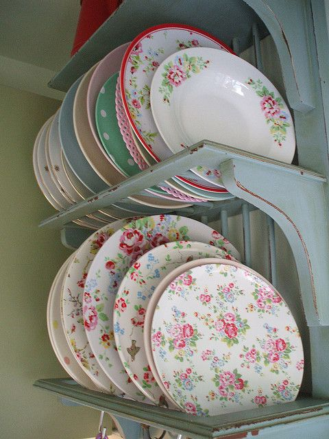 vintage plate rack: Vintage Plates, Floral Plates, Shabby Chic, Plates Racks, Laundry Rooms, Cath Kidston, Misc Vintage, Plates On Shelves, Dishes Racks