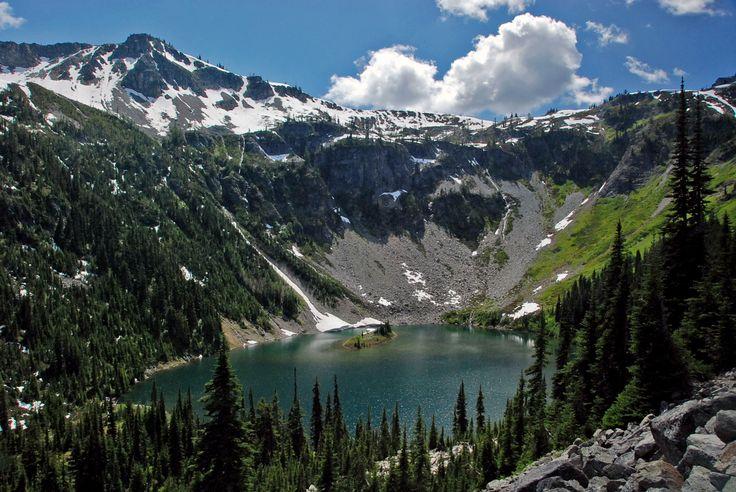 Loop 3-10 miles thru Lake Ann. You may climb above its' bowl via Heather Pass & Maple Pass. Then on to Rainy Lake. Begin at Rainy Pass; w of Mazama WA, on scenic St Rte 20.