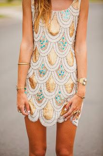 Perfect engagement party dress. glitzy, glamour, perfect. For more engagement party, rehearsal dinner, and bridal shower dress ideas for you wedding visit http://thebestweddingblogever.blogspot.com/