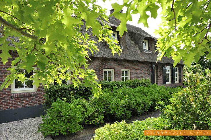 Tuininspiratie De Rooy Hoveniers landelijke tuin boerderij tuin voortuin beplanting Dussen