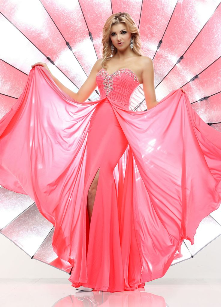 65 best { Prom Dresses } images on Pinterest | Prom dresses, Ball ...