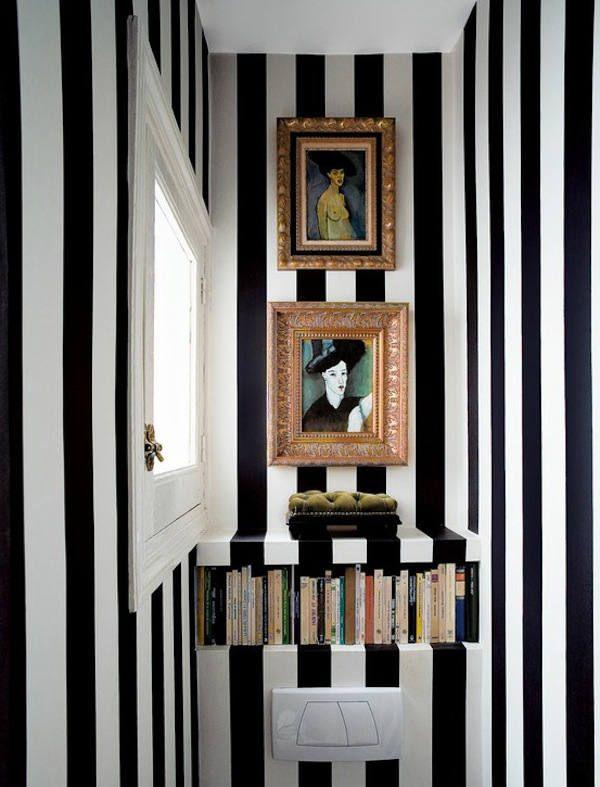 papel-pintado-rayas-en-aseo de Nacho Polo via desire to inspire