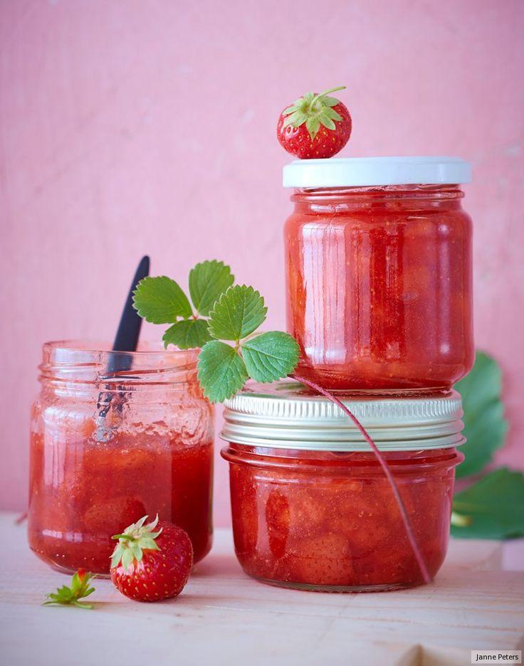 Dreimal so viel Frucht wie Zucker, ein Quäntchen Limette, und man schmeckt, was man sieht: gaaanz viel Erdbeere.