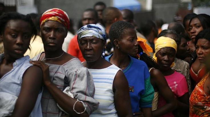 Dominicana y Haití utilizarán fondos europeos para reducir pobreza Los gobiernos de Dominicana y de Haití llevan a cabo conversaciones para aprovechar los fondos de la Unión Europea en proteger el medio ambiente y reducir la pobreza.