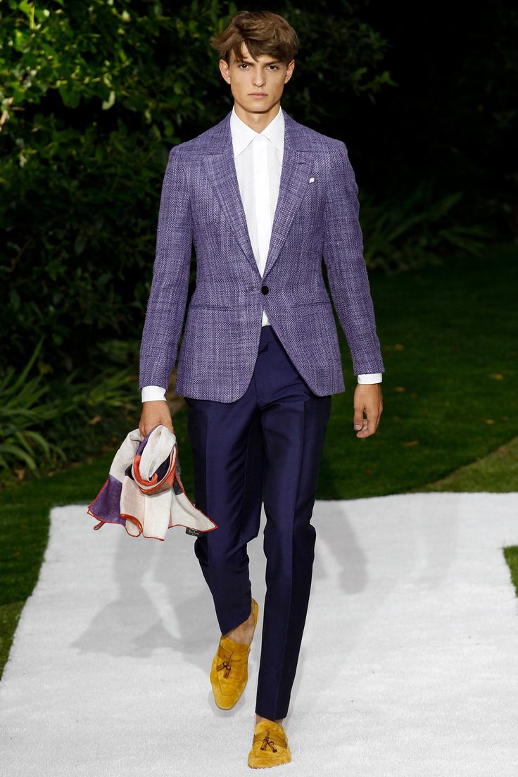 http://www.style.com/slideshows/fashion-shows/spring-2015-menswear/berluti/collection/42 #Blazer #Morado #Lila