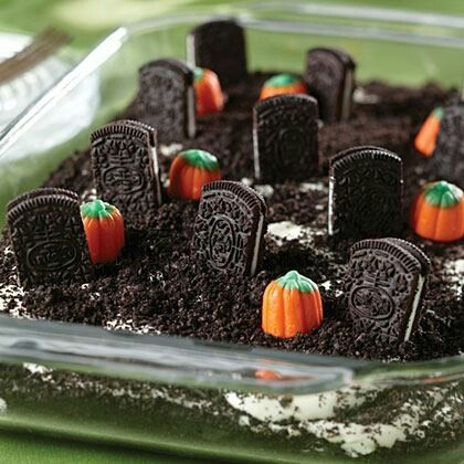 Halloween is coming!! A cute Halloween dessert! Doing it this weekend! (Yes, I know it's super early...)