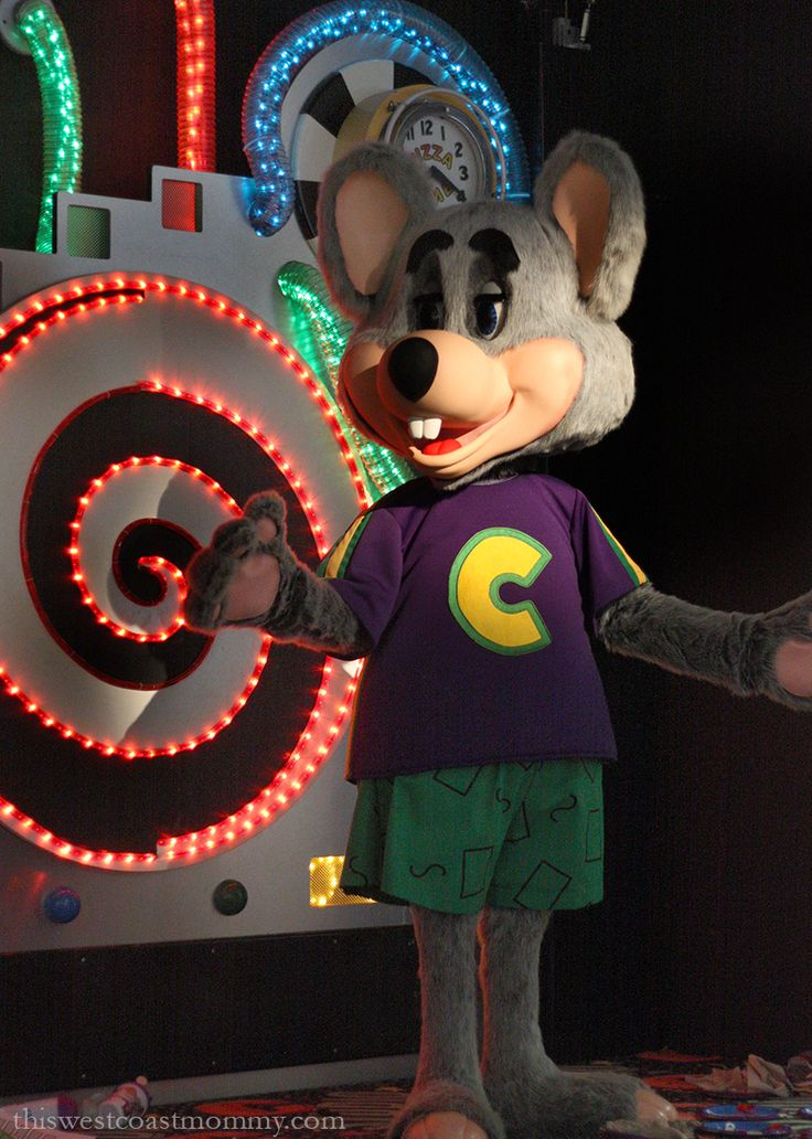 Chuck E. Cheese's Is Still Doing Birthdays Right