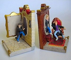 These Harry Potter Bookends feature Harry, Ron and Hermione entering the Gryffindor House via the Fat Lady painting.