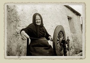 History of Traditional Aran sweater production: from the Aran Sweater Market, Ireland