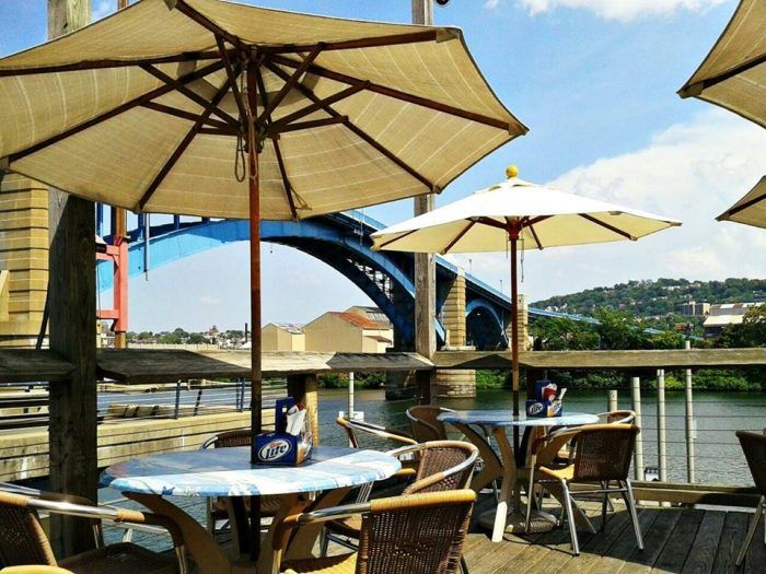 10 Incredible Waterfront Restaurants Everyone In Pittsburgh Must Visit