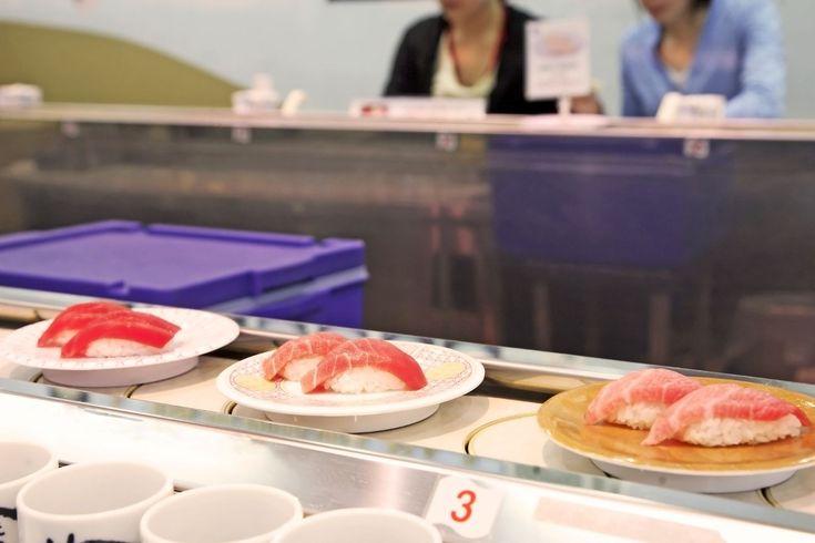 みなさん!ご存知でしたか?実は金沢って回転寿司店の集積度が日本全国で1位らしんです!ってことはですよ、よく考えたらこれって宇宙一回転寿司が多い街っていえるんじゃないんですか!?宇宙一回転寿司が多い街、金沢。なんだか惹かれますね。