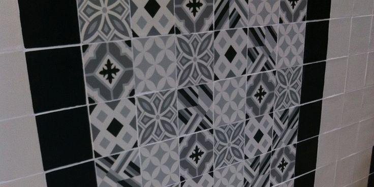 Läcker kakel i svart och vitt med olika mönster hittar du hos ProntoKakel® i Malmö
