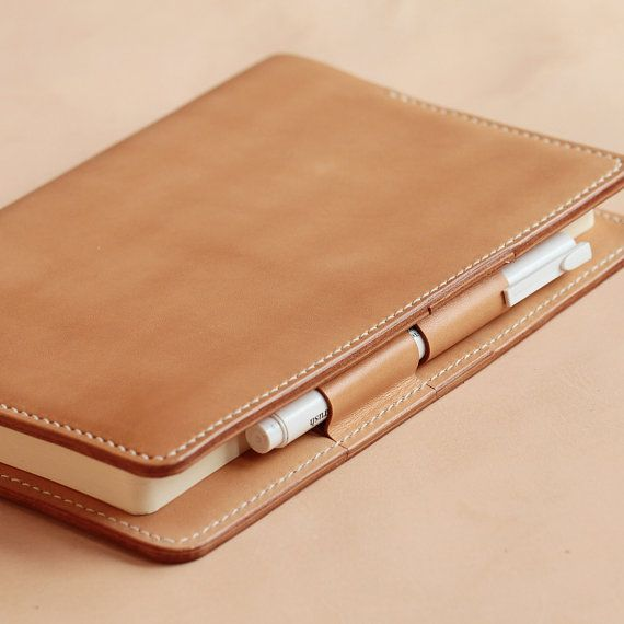 100% Hand-stitched Vegetable Tanned Leather Notes por AnneSoye