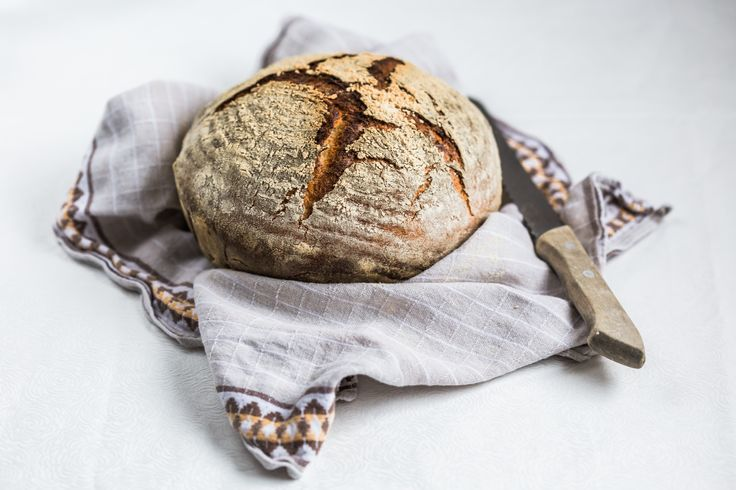 This super easy Thermomix Artisan bread is so easy to make and requires virtually no kneading. The simplest bakery style bread recipe for the Thermomix.